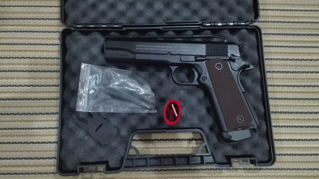 DOUBLE BELL M1911A1 CO2ガスガン(ABS樹脂)をレビューします